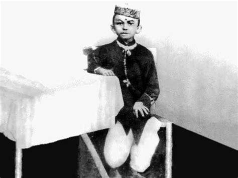 early life of mahatma gandhi mohandas gandhi