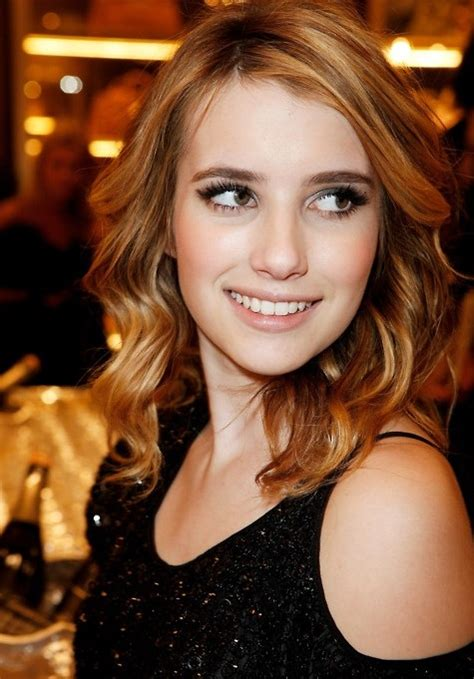 Emma Roberts Hair: Blonde Wavy   PoPular Haircuts