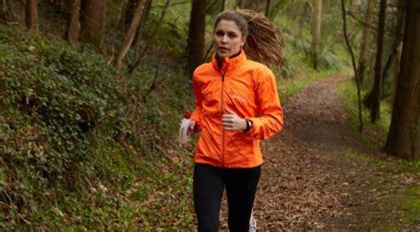 Jaket Lari Wanita 6 pakaian olahraga yang juga bisa kamu gunakan sehari hari