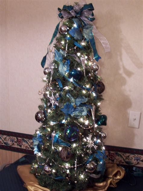 teal and silver christmas tree design