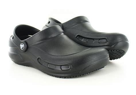 womens crocs bistro slip resistant clog black