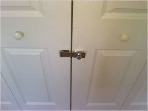 bifold closet door lock bifold closet door lock page best home design