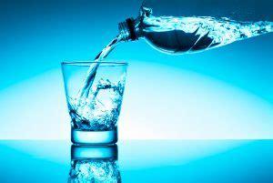 acqua rubinetto o in bottiglia acqua in bottiglia o rubinetto vantaggi e consigli
