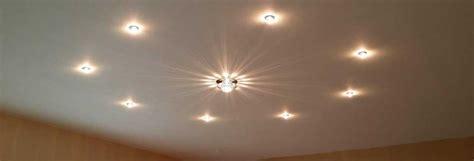 Installer Des Spots Au Plafond by Un Spot Sur Un Plafond Tendu Comment Le Choisir