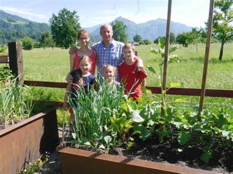 Hof Und Garten by Ein Blick In Hof Und Garten Neue Vorarlberger Tageszeitung
