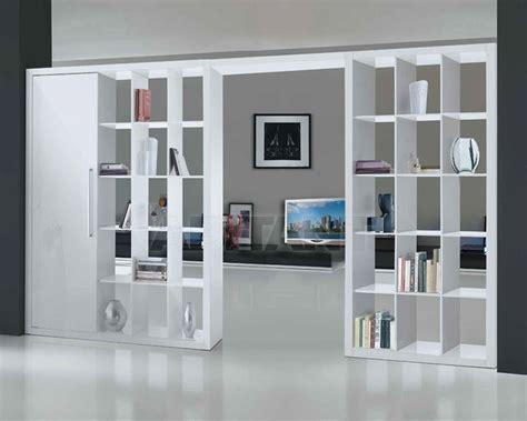 impressionante Librerie Divisorie Soggiorno #1: come-organizzare-il-soggiorno-con-le-librerie-divisorie_NG2.jpg