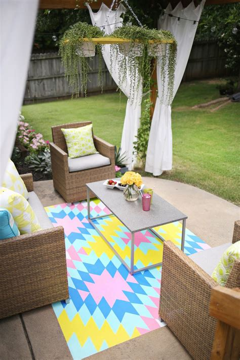 Painting An Outdoor Rug Paint Your Own Outdoor Rug A Beautiful Mess