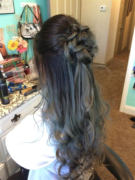 Homecoming Hairstyles Half Up Half by 25 Best Ideas About Prom Hairstyles On