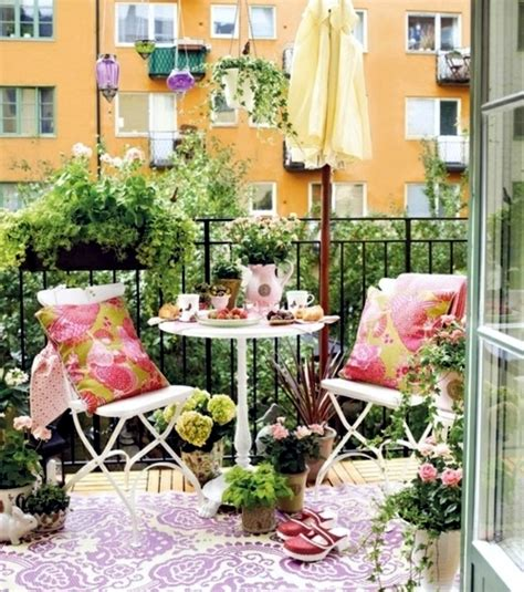 decorating balcony  flowers  spring cheap design