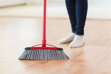 7 Techniques For Cleaning Your Floors by 11 Simple Tips For Cleaning Your House Fast