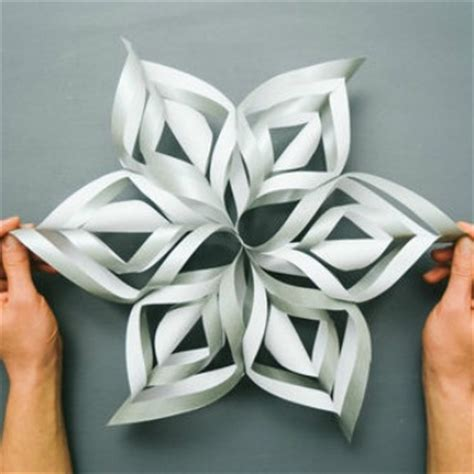 Paper Snowflake Craft - 3d paper snowflake ted s