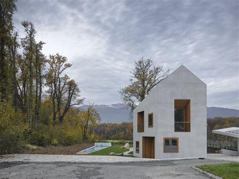 one see villa in genf satteldach aus beton architektur und