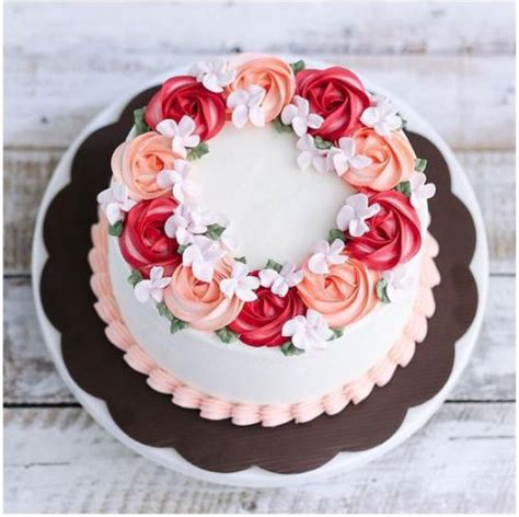 torte pasta di zucchero con fiori oltre 25 fantastiche idee su fiori di zucchero su