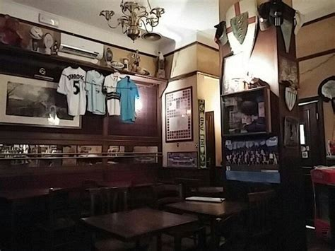 interni pub interno foto di excalibur pub roma tripadvisor