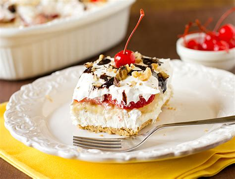 layered no bake banana split dessert recipelion