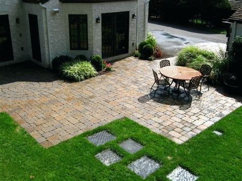 backyard paver patio designs pictures paver patio designs backyard designs with fire pit in patio retainer wall and