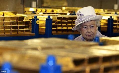banco oro la reina visita las reservas de oro banco de inglaterra