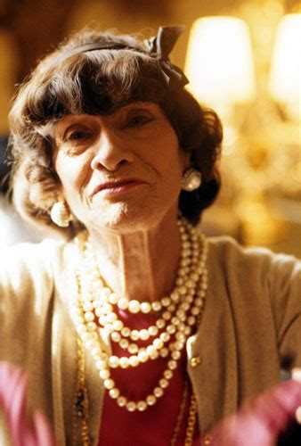 coco chanel easy biography coco chanel a day in the life of