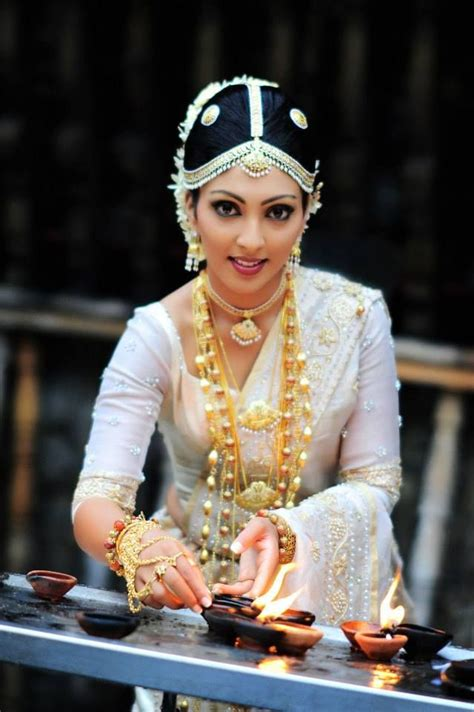 sri lankan gold styles traditional sri lankan bride sinhalese jewellery layered