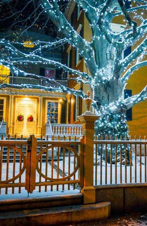 28 christmas decorating ideas to bring joy to your home 49 magical christmas lightning ideas to bring joy light