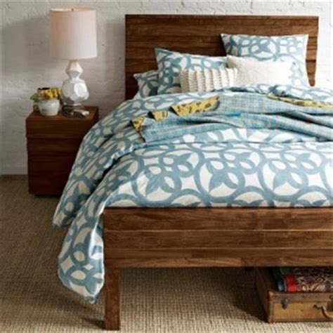 How To Make A Headboard And Footboard by Diy Pallet Headboard And Pallet Footboard Pallets Designs