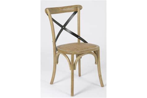 chaise bois metal chaise croisillon en bois massif bistrot hellin