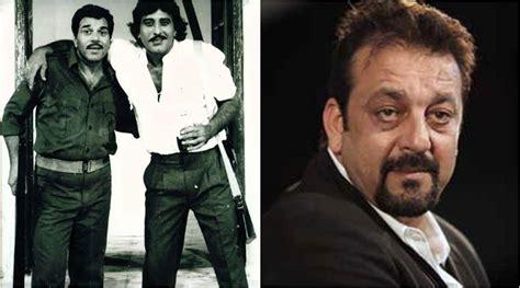actor dharmendra film list vinod khanna dead emotional dharmendra calls him