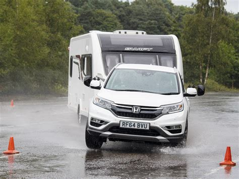 honda crv towing review honda cr v review honda tow cars practical caravan