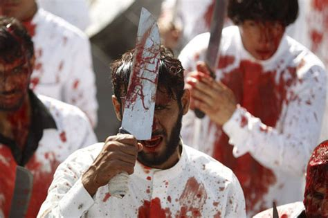 ashura 2015 graphic images captured of islamic ritual of