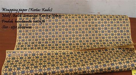 Bungkus Kertas Kado Tambahan wrapping paper pembungkus kado batik motif semanggi kuning