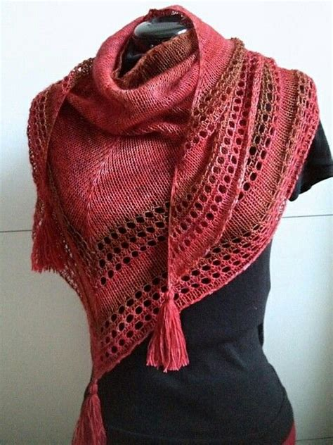 knitting patterns for shawls 900 best images about knitted scarves cowls shawls on