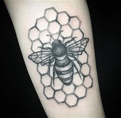 hand poke tattoo portland or 25 best ideas about honeycomb tattoo on pinterest