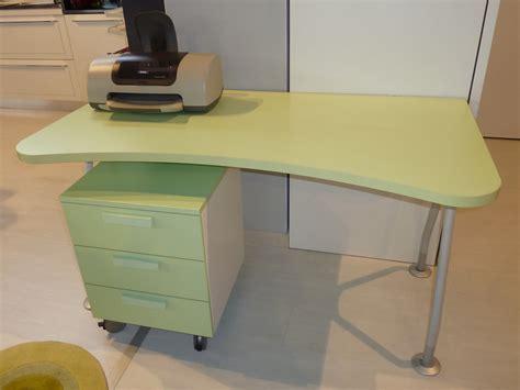 scrivania offerta scrivania scontatissima camerette a prezzi scontati