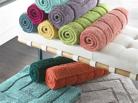 Gold Bath Towels And Rugs To Match Home Design Ideas Bathroom Rugs And Towels
