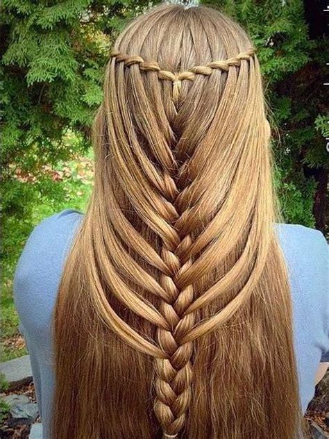 moda cabellos modernas trenzas con el pelo suelto 2015