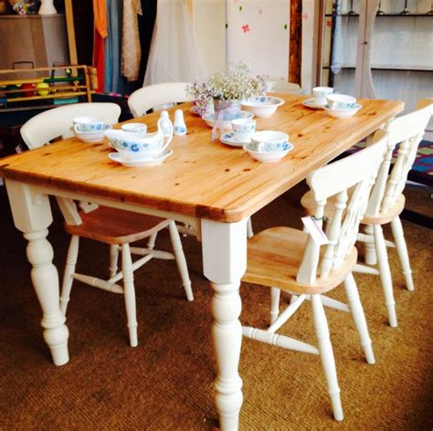 farmhouse tabletop in pine and four chairs painted with