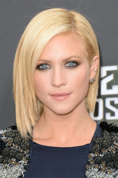 does short straight and slightly layered hair look good cute short straight hairstyles for women short