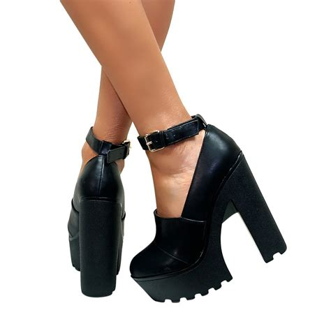 womens chunky cleated sole high heel platform boots