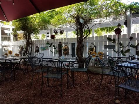 lowcountry backyard restaurant hilton head lowcountry backyard hilton head 28 images a lowcountry