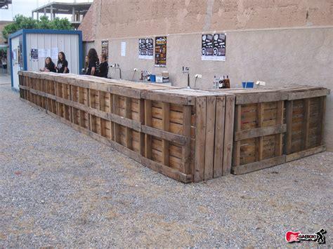 decoracion con palets de madera palets barras para festivales decoraci 243 n con madera