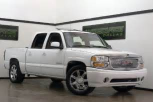 Tonneau Cover 2006 Gmc Crew Cab Sell Used 2006 Gmc Denali Crew Cab White Rear Dvd
