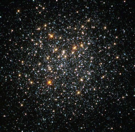 globular cluster fornax  esahubble