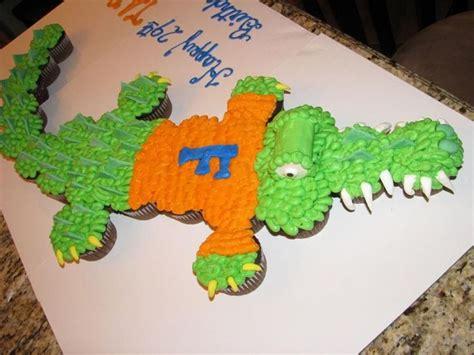 florida gator cake gator cupcake cake cakecentral