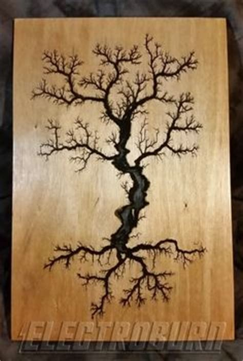 lightning pattern on wood electricaly engraved wooden lichtenberg figure by