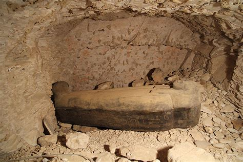 Article Tomb Of The Chantress The Egyptiana Emporium