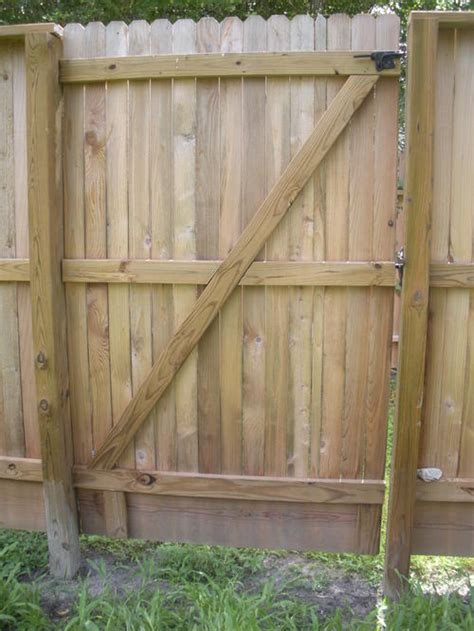 diy how to build a wood fence gate plans free