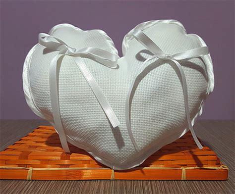 cuscino portafedi da ricamare cuscinetto portafedi cuore aida da ricamare