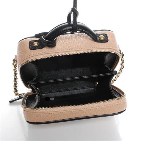 Chanel Cc Filigree Vanity Bag 1145 Tas Fashion Wanita Impor chanel caviar quilted small cc filigree vanity beige black 211153