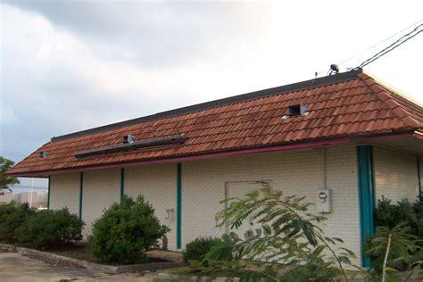 1990s house 100 1990s house buda house tom sloantom sloan