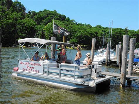 boat slips for rent michigan a great lake vacation along michigan s harbor towns